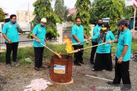 Disdukcapil Aceh Barat musnahkan 4.057 KTP dan KIA kedaluwarsa