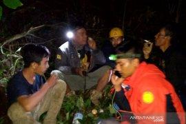 Tim SAR temukan seorang pendaki yang tersesat di Gunung Manglayang