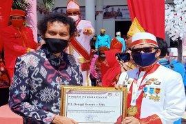 HUT ke-60, Pemkab Banggai beri penghargaan pada DSLNG Page 1 Small