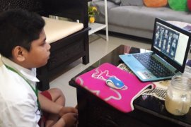 Belajar daring di Pulau Halmahera terkendala jaringan internet