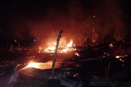 Dua unit rumah warga di Aceh Timur ludes terbakar