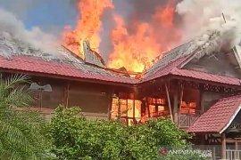 Pesantren Darul Arafah  Sumut terbakar