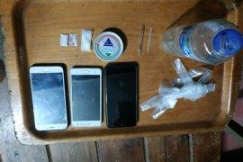 Tiga pengedar dan pengguna narkoba di tangkap polisi