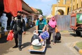 Setiap hari puluhan pasien COVID-19 di Surabaya sembuh