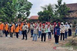 Puluhan personel tim pemeriksa kesehatan sisir ribuan hewan kurban di Jambi