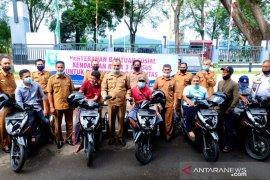 Disabilitas di Sabang terima sepeda motor dari Pemko
