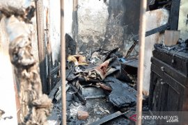 Gudang beras dan kontrakan di Slipi, Jakarta Barat  hangus terbakar