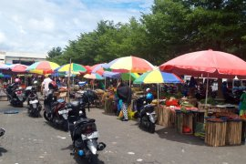 Disperidagkop :  jumlah pedagang di pasar Bobong meningkat