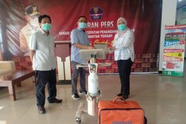 Adaro MetCoal supports health facilities at Palangkaraya Hospital
