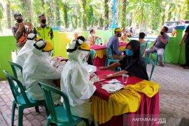 35 warga Desa Pasar Seluma jalani rapid test