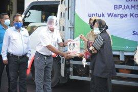 Pekerja terdampak COVID-19 di Kota Surabaya dapat bantuan beras dari Jamsostek