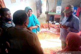Bupati dan Kapolres Aceh Barat kunjungi orangtua bocah korban banjir yang meninggal dunia