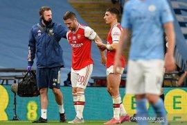Arsenal tanpa diperkuat bek andalannya,  Mustafi awali musim baru karena cedera
