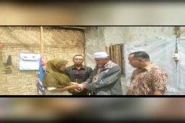 Baznas Langkat salurkan bantuan untuk perbaikan rumah warga