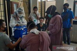 "30 tahanan Polres Bangka Barat jalani ""rapid test"""
