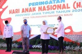 Peduli anak saat pandemi, Kadin Jatim terima penghargaan dari pemprov