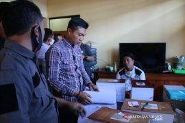 Sejumlah guru laporkan seorang warga yang menghina profesi guru ke Polres Garut