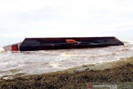DLHK Nagan Raya selidiki tumpahan 100 ton batu bara ke laut, diduga milik PLTU 1-2