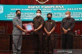Rapat Paripurna DPRD, Wabup HSS sampaikan tiga Raperda