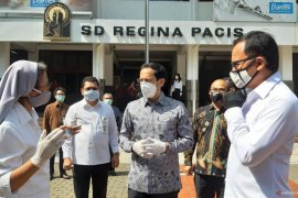 Mendikbud Nadiem tinjau pelaksanaan pembelajaran jarak jauh di Bogor