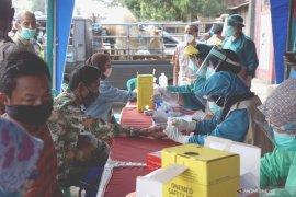 Rapid test pedagang pasar hewan