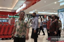 Bupati Kubu Raya pastikan belanja di Transmart aman dari COVID-19