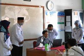Menteri Nadiem harapkan siswa kembali sekolah seaman mungkin