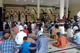 Bupati Gorontalo Utara bersyukur protokol kesehatan ditaati saat Shalat Idul Adha