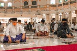 Gubernur Banten  Wahidin Halim Idul Adha dengan protokol kesehatan di Al Bantani
