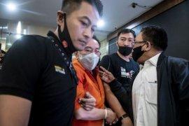 Buronan Kelas Kakap Djoko Tjandra ditangkap di Malaysia Page 2 Small