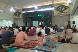 Khotib Masjid Agung Al A'raf Rangkasbitung: Semoga Allah mencabut wabah COVID-19