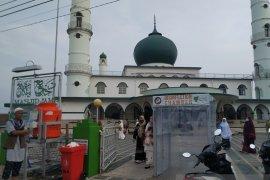 """Warga Pangkalpinang gelar tradisi """"Nganggung"""" saat Idul Adha"""