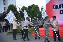 Video - Panglima TNI dan Irwasum Polri lepas bakti sosial peduli COVID-19