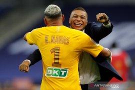 Kalahkan Lyon 6-5 melalui adu penalti, PSG juara Piala Liga Prancis
