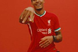 Liverpool perkenalkan jersey dan sponsor baru mereka