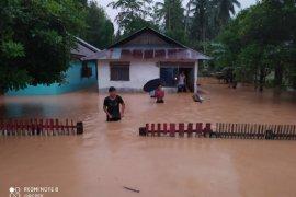 29 rumah hanyut akibat banjir bandang di Sulut