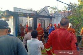 Kebakaran di Pematang Gubernur, kerugian ditaksir Rp300 juta