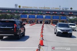 Pengguna jalan Tol Jakarta-Cikampek meningkat pada libur Idul Adha