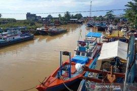 Ribuan nelayan di Aceh Barat tidak melaut akibat cuaca buruk