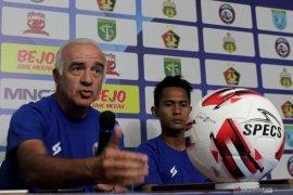 Mario Gomez mundur dari pelatih Arema FC