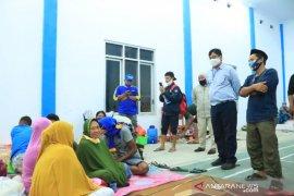 Bupati Bone Bolango naik kapal Basarnas salurkan bantuan korban banjir