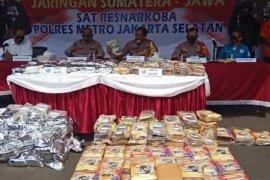 Polisi tangkap empat pembawa ratusan kilogram  narkoba di Jakarta