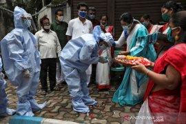 India catat rekor harian COVID-19, yakni 76.472 kasus baru