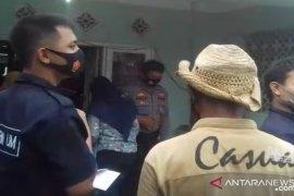 200 korban investasi bodong dari Sukabumi sambangi rumah ketua kelompok