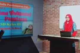 Pelajar SD-SMP di Surabaya dapat fasilitas pembelajaran melalui televisi