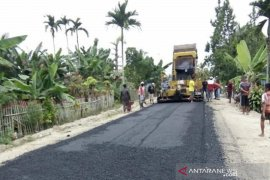 Pemkab Gorontalo mulai bangun jalan desa di Tolangohula
