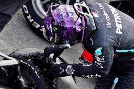 Ini penyebab pecah ban Hamilton di GP Britania menurut Pirelli