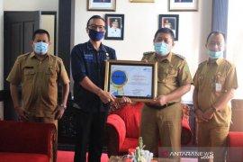 Pemkab Jembrana meraih penghargaan BPS