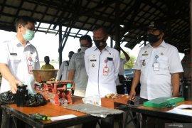 Diskopdag Tanah Laut tera alat UTTP milik pedagang Pasar Bati-Bati