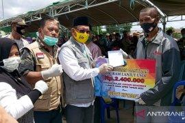 Bupati serahkan BLT-DD untuk 586 KK warga Sampanahan
